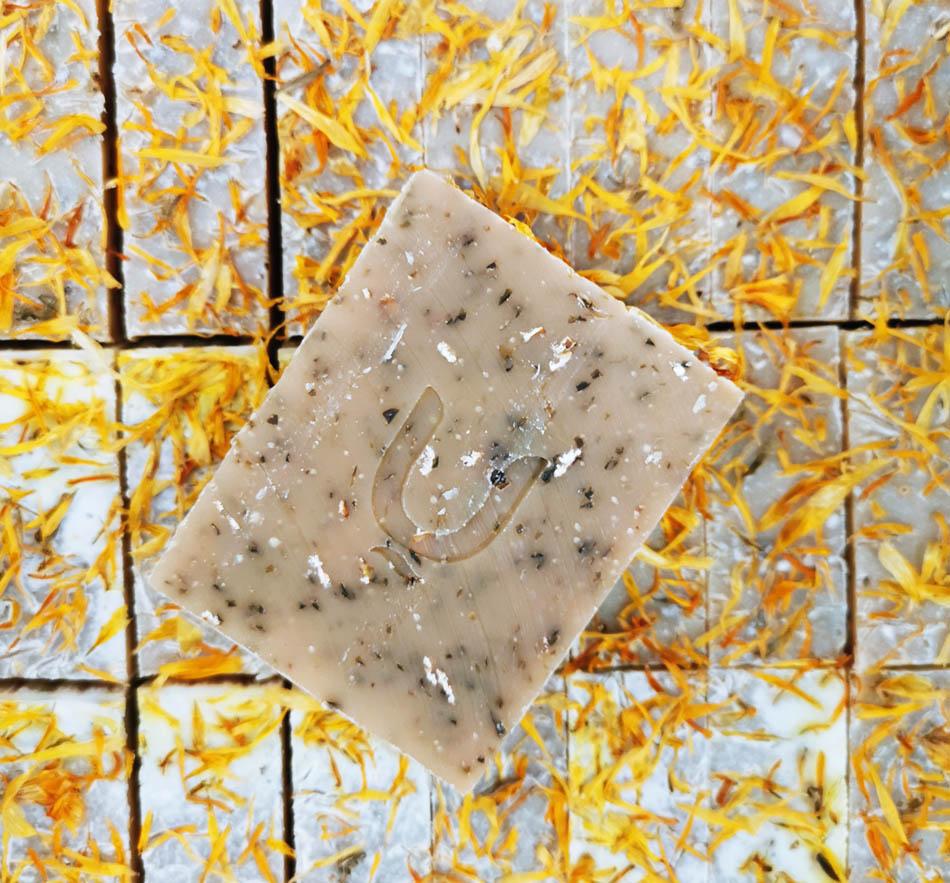סבון מוצק שיבולת שועל ודבש